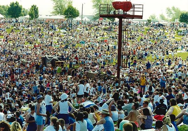 Sweetstock crowd